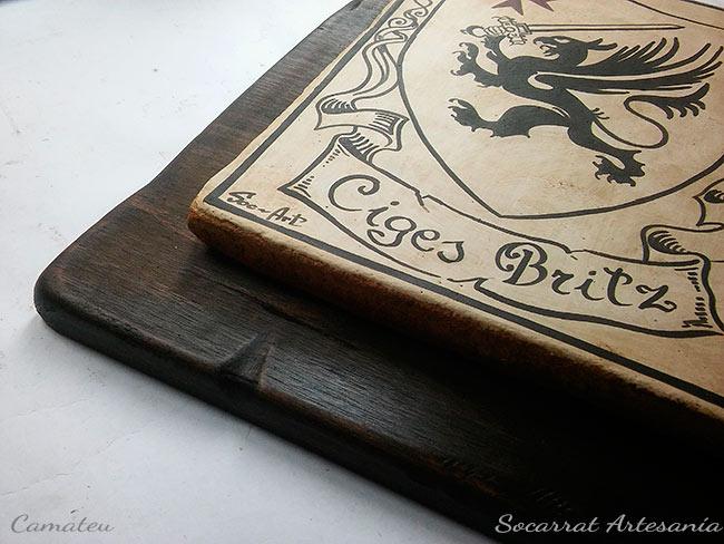 Socarrat sobre tabla de madera envejecida a mano